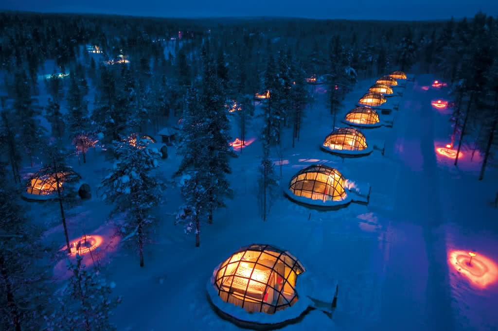 Kakslauttanen Arctic northern light glass igloo