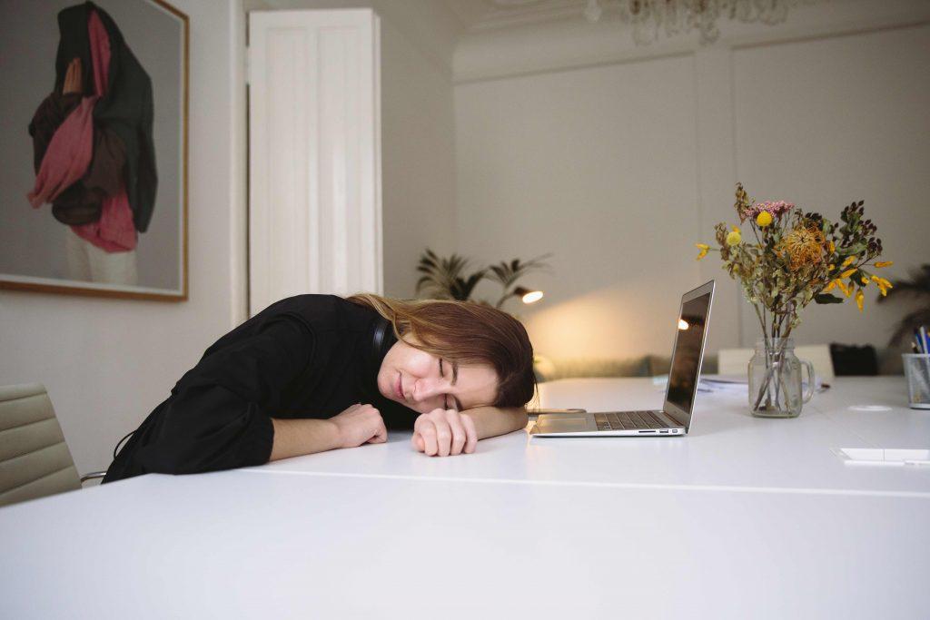 咖啡, 加油, 充電, 午睡, 午睡 時間, 香港 午睡 地方, 午睡 好處